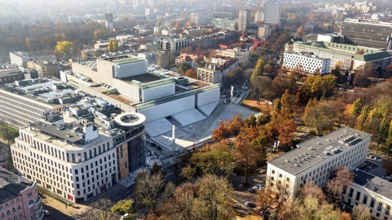 Centrum Spotkania Kultur oraz Lubelskie Centrum Konferencyjne widziane z góry