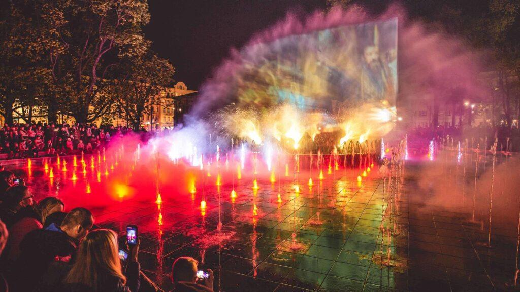 Pokazy na fontannie multimedialnej w Lublinie
