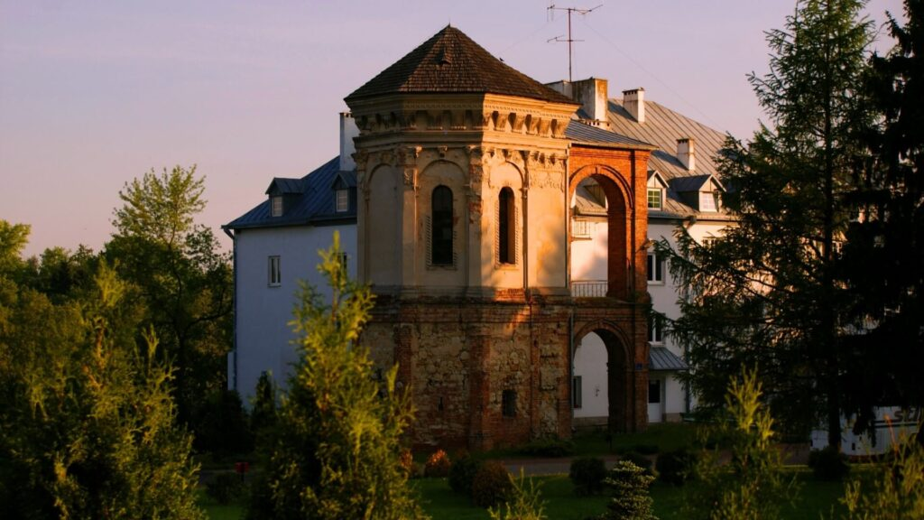 Baszta w Dąbrowicy