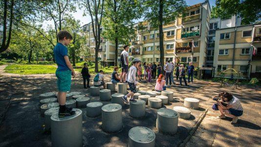 Plac Zabaw na osiedlu Słowackiego, zaprojektowanym przez Hansenów